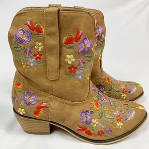 Wanted Santa Fe Vegan Leather Cowboy Ankle Boots